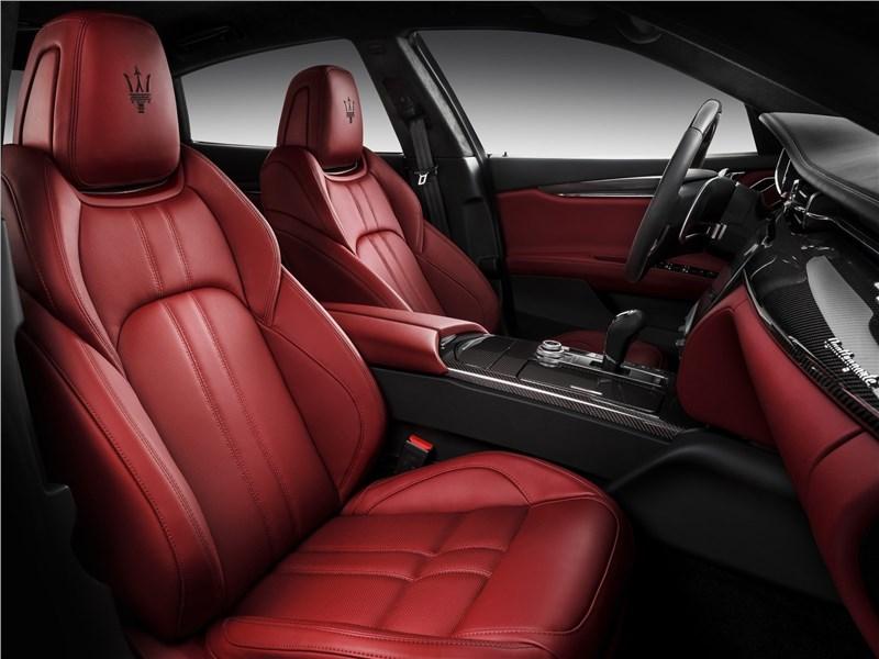 Maserati Quattroporte Gran Sport 2017 передние кресла