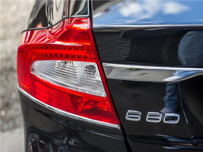 Volvo S80 задний фонарь