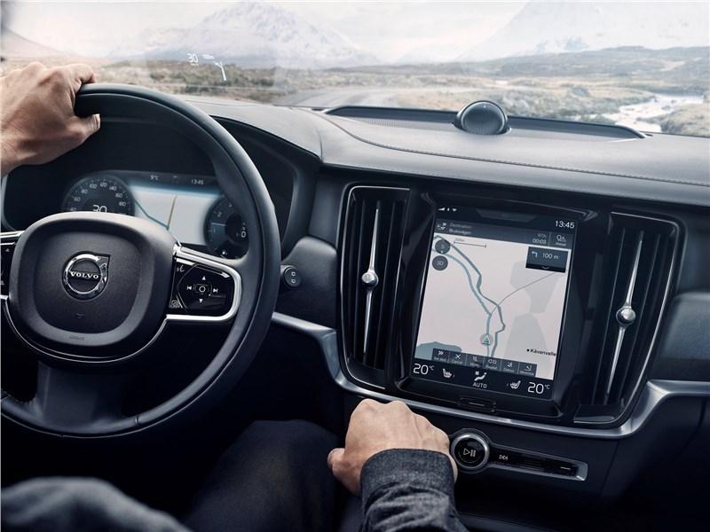 Volvo V90 Cross Country 2017 водительское место