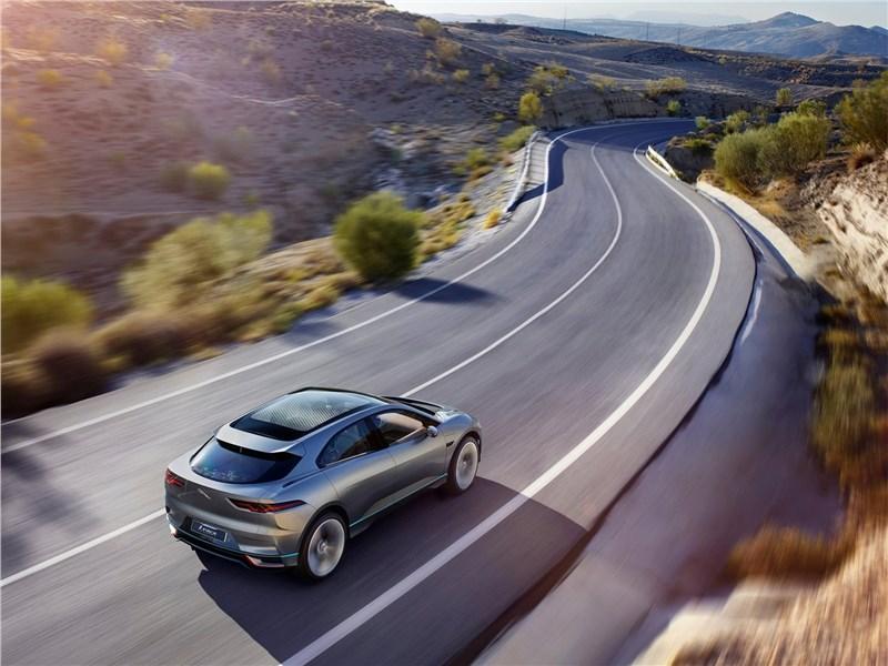 Jaguar I-Pace Concept 2016 вид сзади сверху