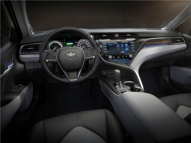 Toyota Camry 2018 водительское место