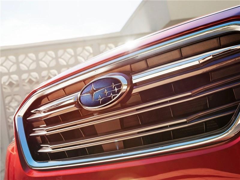 Subaru Legacy 2018 решетка радиатора