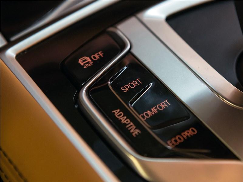 BMW 740Ld xDrive 2016 кнопки выбора режима