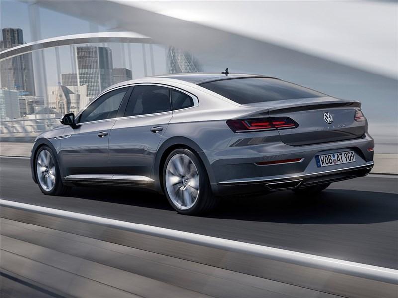 Volkswagen Arteon 2018 вид сзади