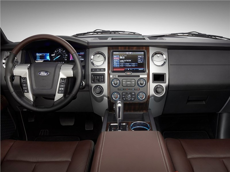 Ford Expedition 2015 салон