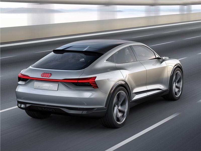Audi e-tron Sportback Concept 2017 вид сзади