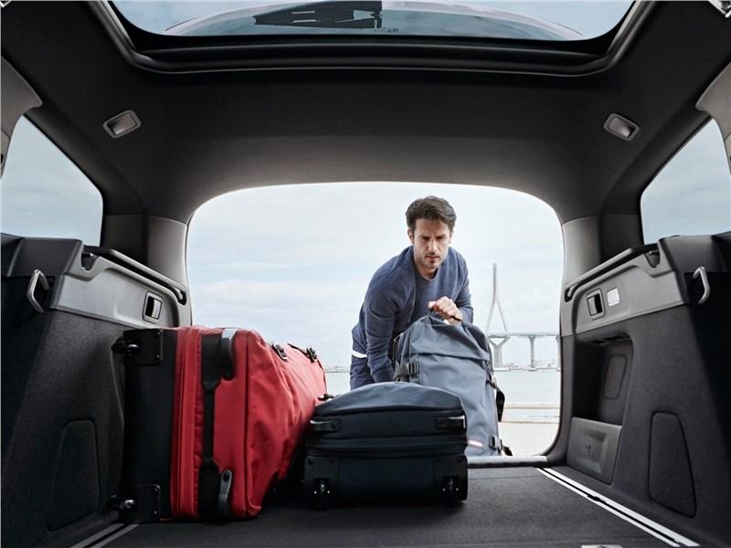 Peugeot 308 SW 2018 багажное отделение