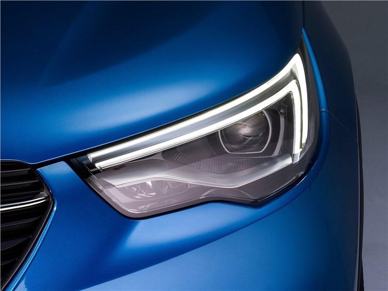 Opel Grandland X 2018 передняя фарв
