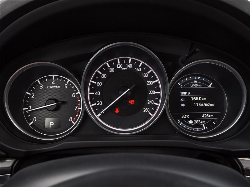 Mazda CX-5 2017 приборная панель