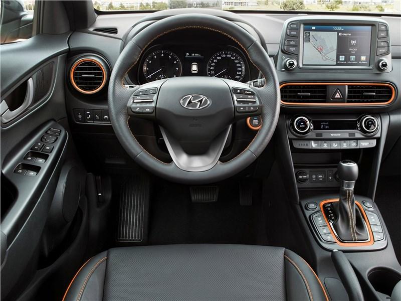 Hyundai Kona 2018 водительское место
