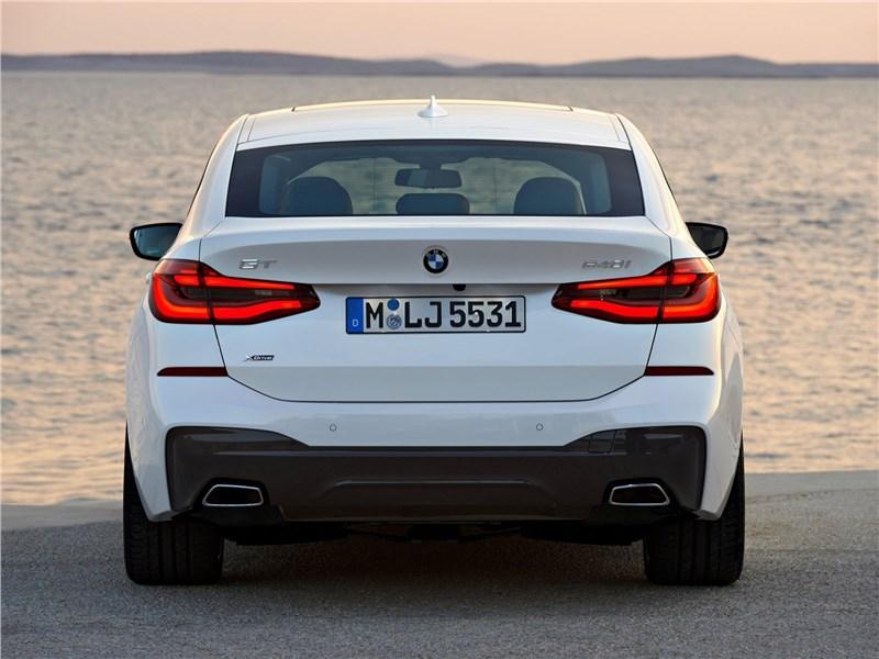 BMW 6-Series Gran Turismo 2018 вид сзади