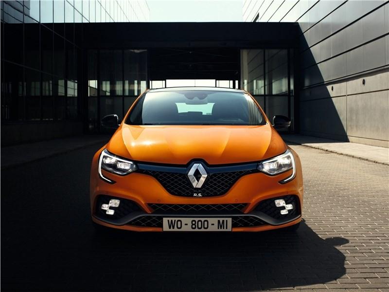 Renault Megane RS 2018 вид спереди