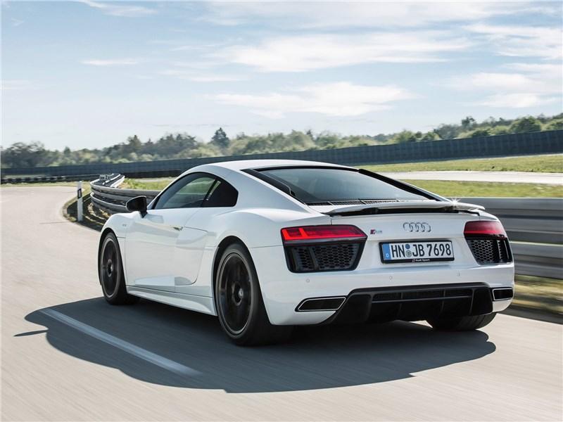 Audi R8 RWS 2018 вид сзади