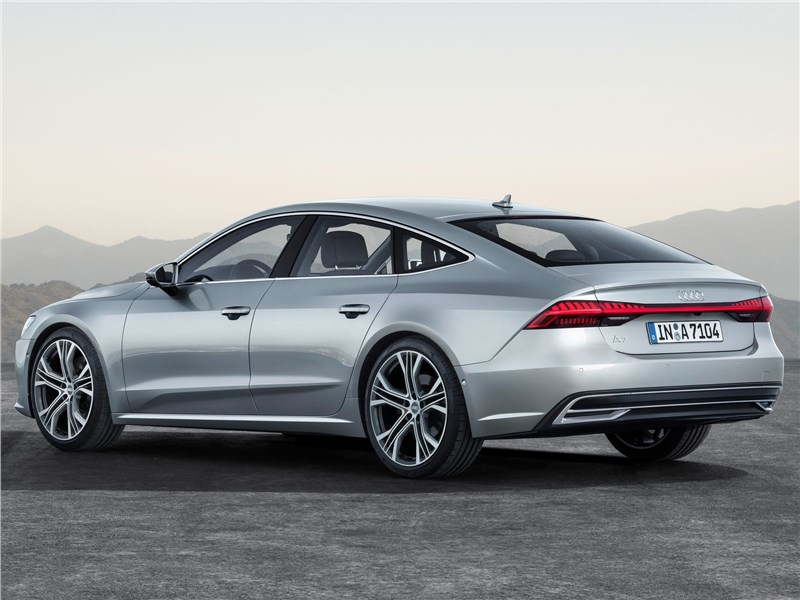 Audi A7 Sportback 2018 вид сзади сбоку
