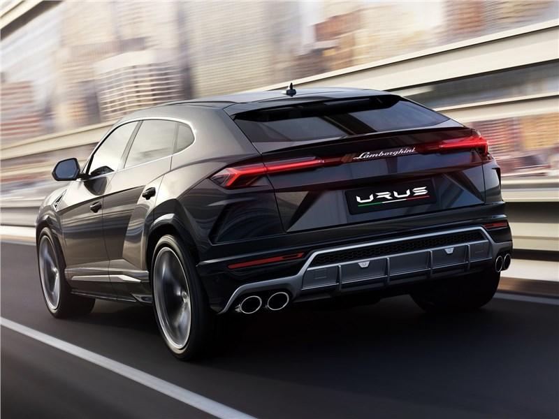 Lamborghini Urus 2019 вид сзади
