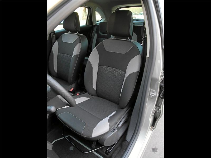 Lada XRay 2018 передние кресла