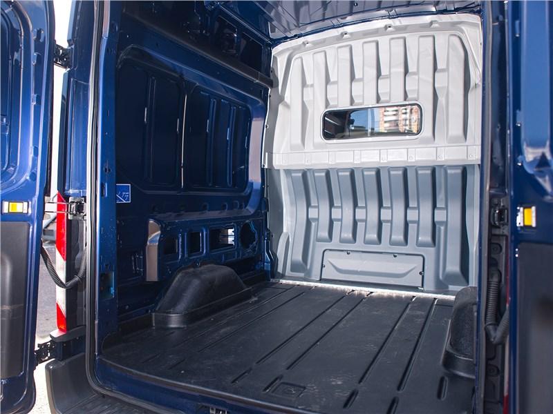 Ford Transit 2018 грузовой отсек