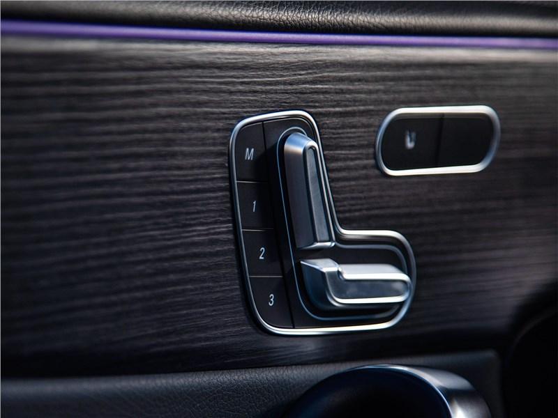 Mercedes-Benz A-Class 2019 регулировки кресел