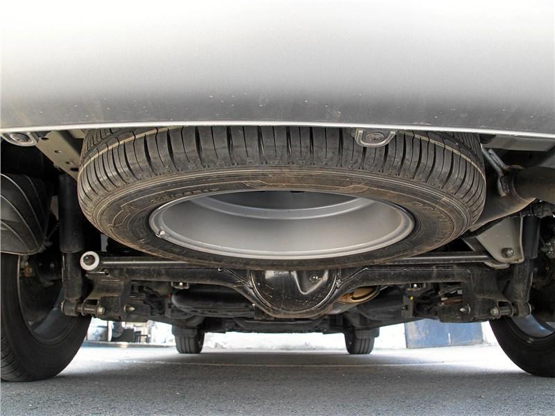 Hyundai Н-1 2018 запасное колесо