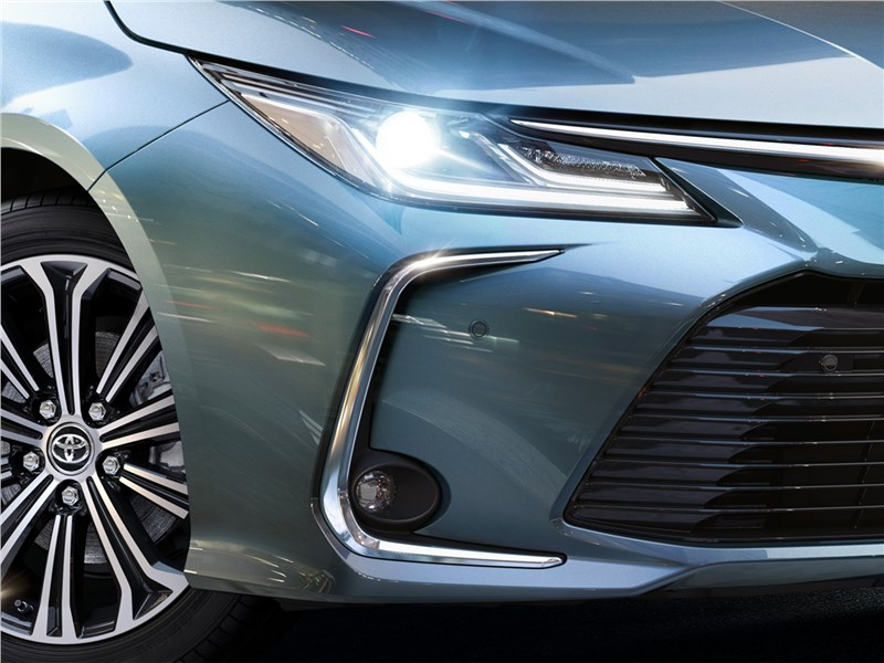 Toyota Corolla 2019 передняя оптика