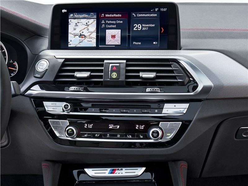 BMW X4 M 2019 центральная консоль