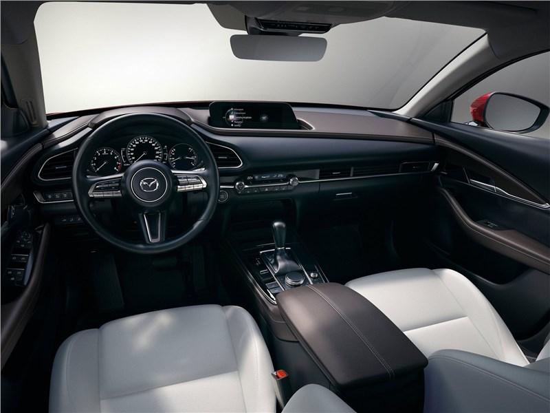 Mazda CX-30 2020 салон