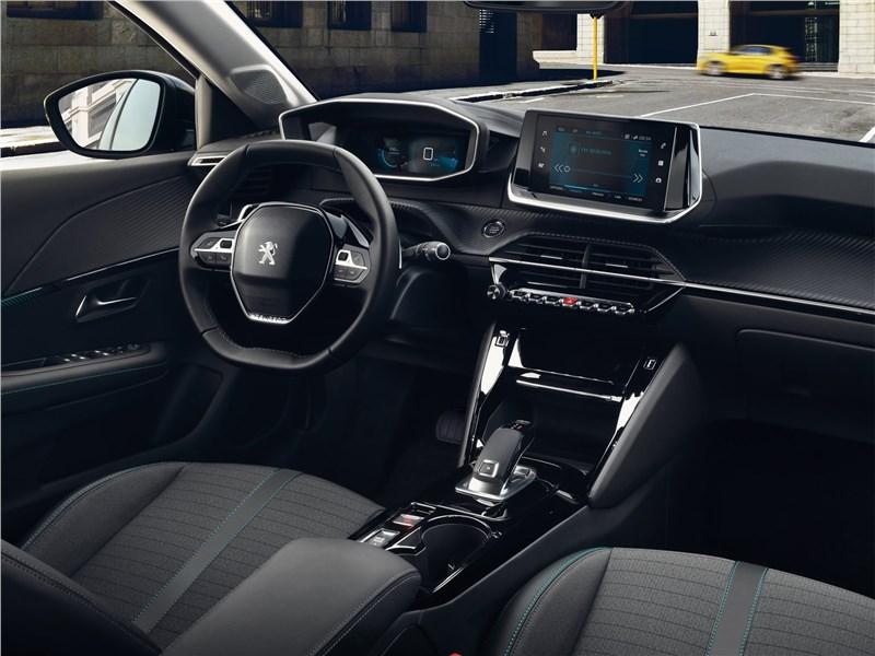 Peugeot 208 2020 салон