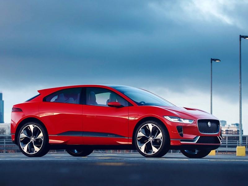 Jaguar Land Rover отправляет свои автомобили на переплавку