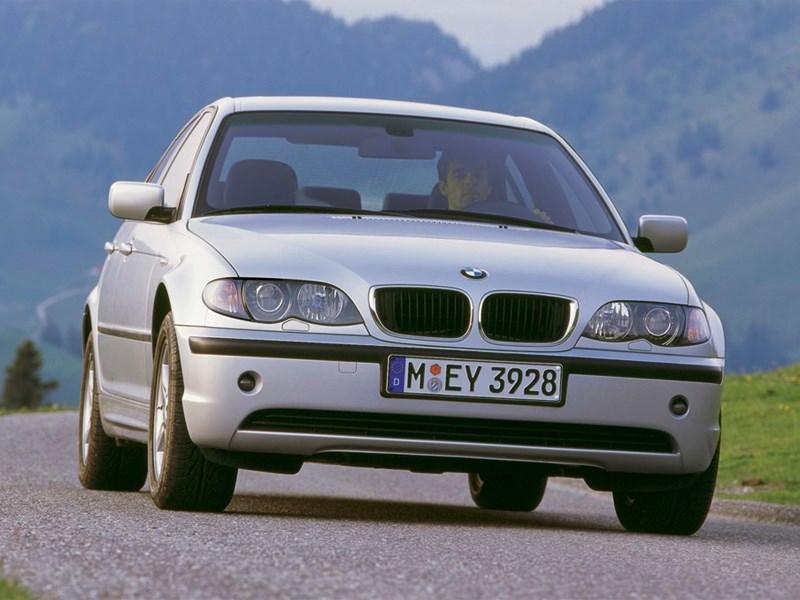 BMW отзывает 220 тысяч небезопасных автомобилей