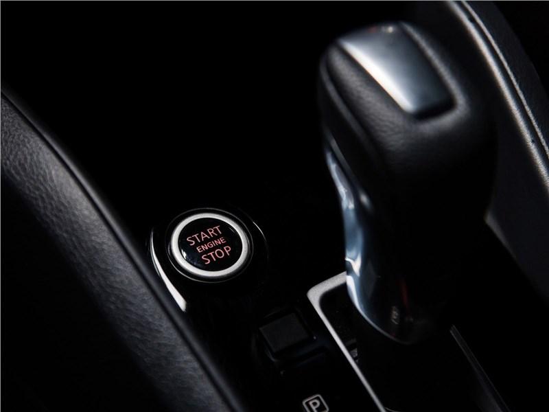 Nissan Tiida 2015 АКПП