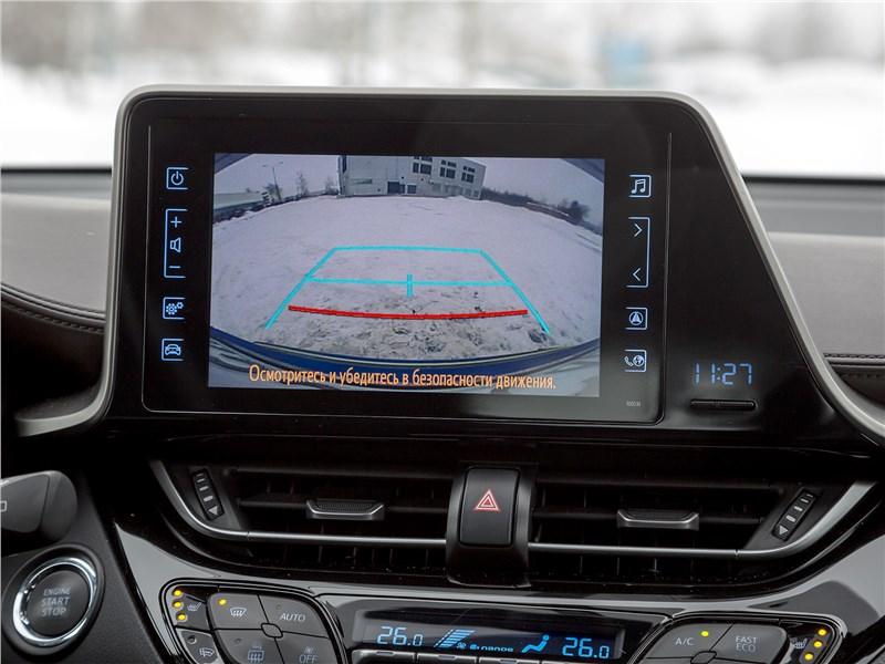 Toyota C-HR 2017 монитор