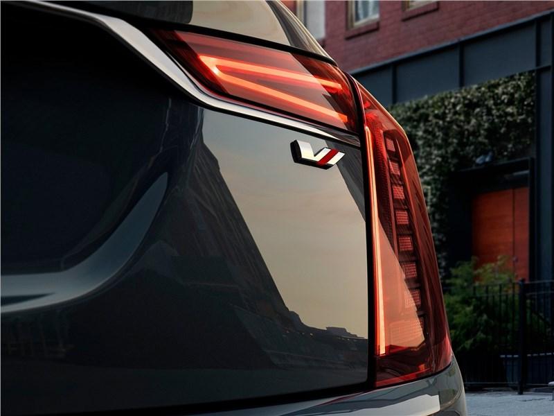 Cadillac CT6 2019 задний фонарь