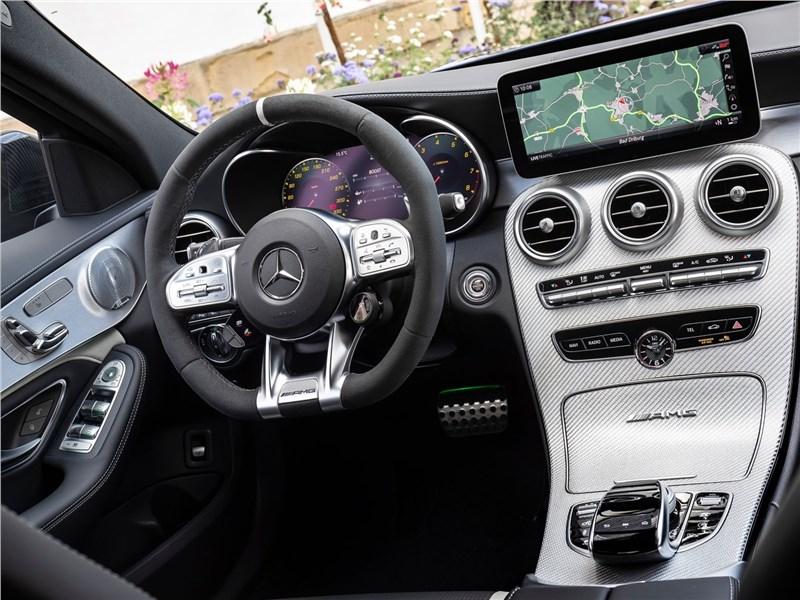 Mercedes-Benz C63 S AMG Sedan 2019 салон