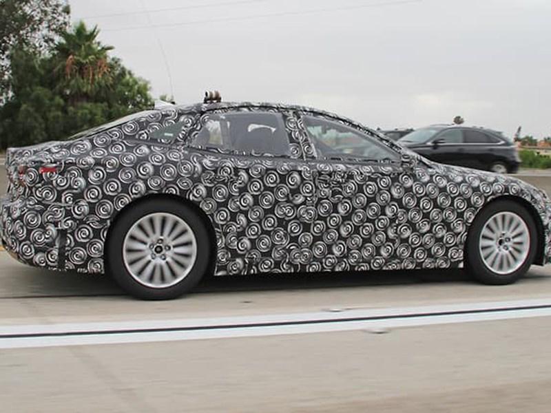 На тестах замечен водородный Lexus LS