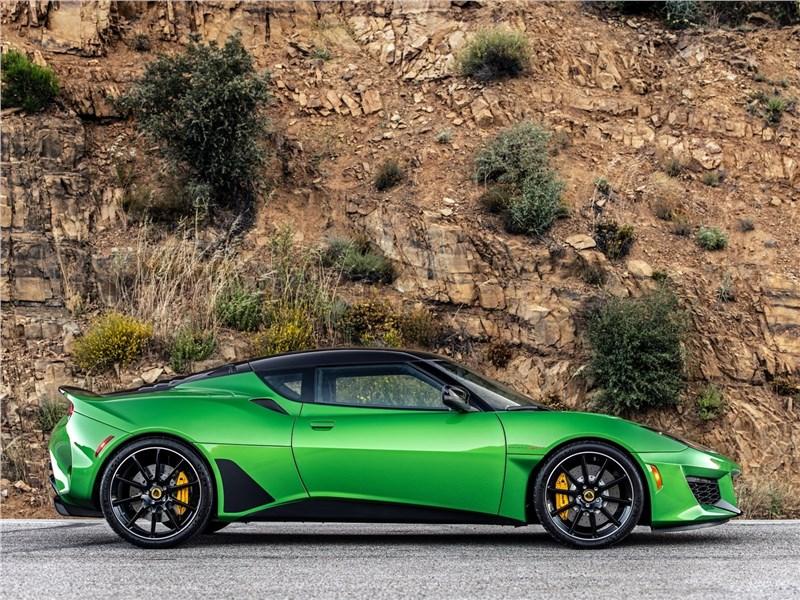 Lotus Evora GT 2020 вид сбоку