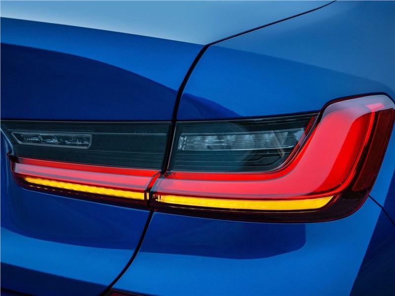 BMW 3-Series 2019 задний фонарь