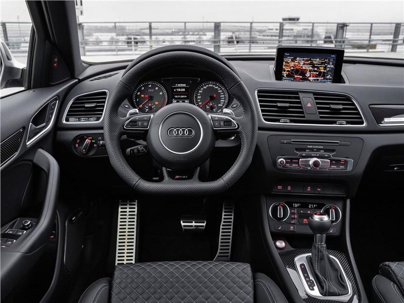 Audi RS Q3 2015 салон