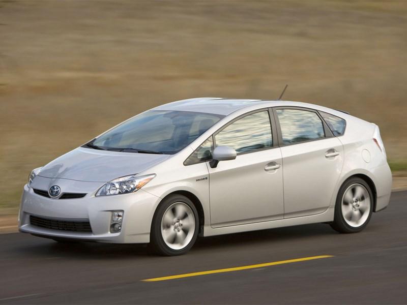 Toyota отзывает 242 тысячи гибридов с неисправными тормозами