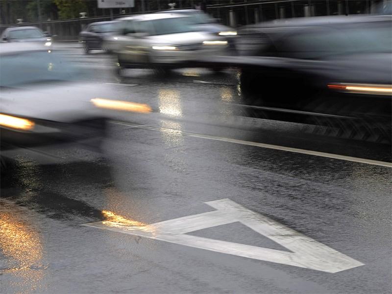Владельцы электрокаров смогут ездить по «выделенкам» Фото Авто Коломна