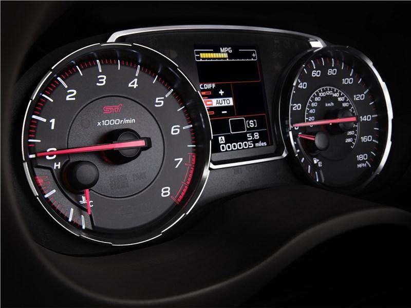 Subaru WRX 2018 приборная панель