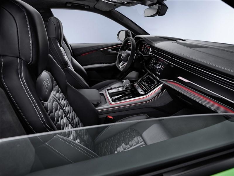 Audi RS Q8 2020 передние кресла