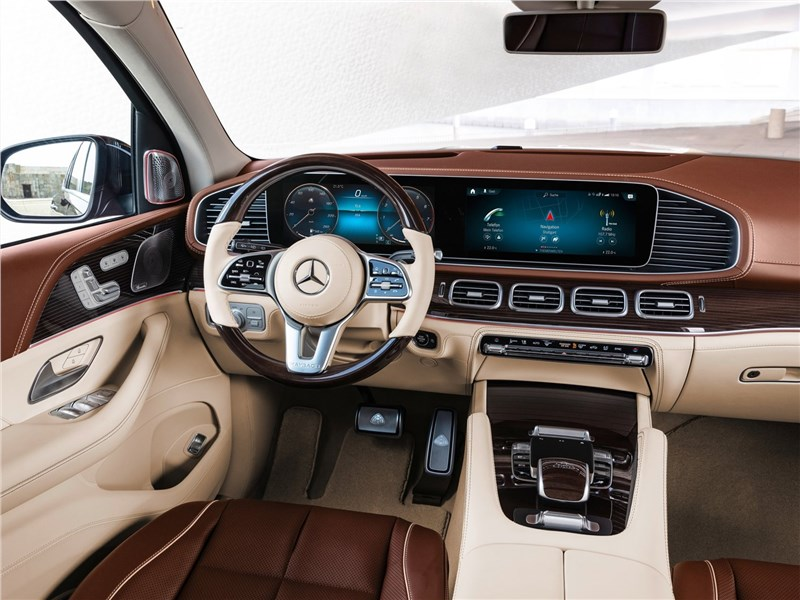 Mercedes-Benz GLS 600 Maybach 2021 салон