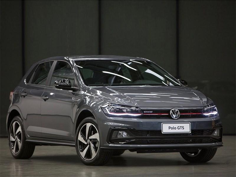 Новый седан VW Polo «зарядили»