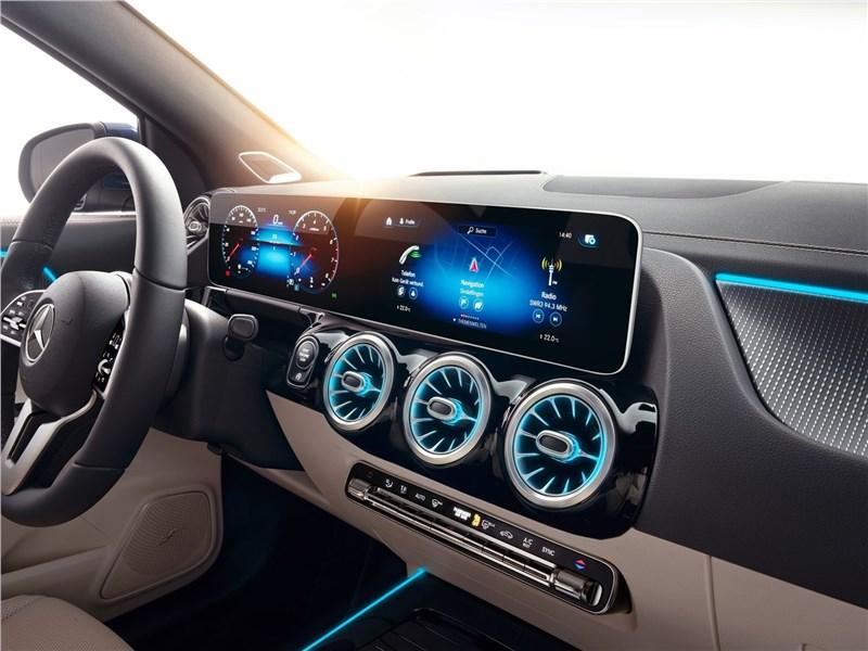Mercedes-Benz GLA 2021 салон