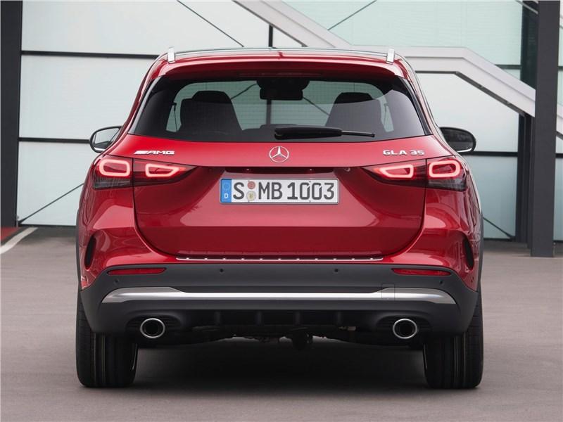 Mercedes-Benz GLA35 AMG 2021 вид сзади