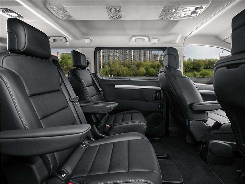 Opel Zafira Life 2020 кресла салона