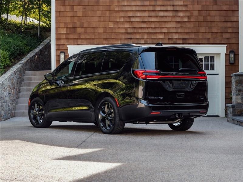 Chrysler Pacifica 2021 вид сбоку сзади