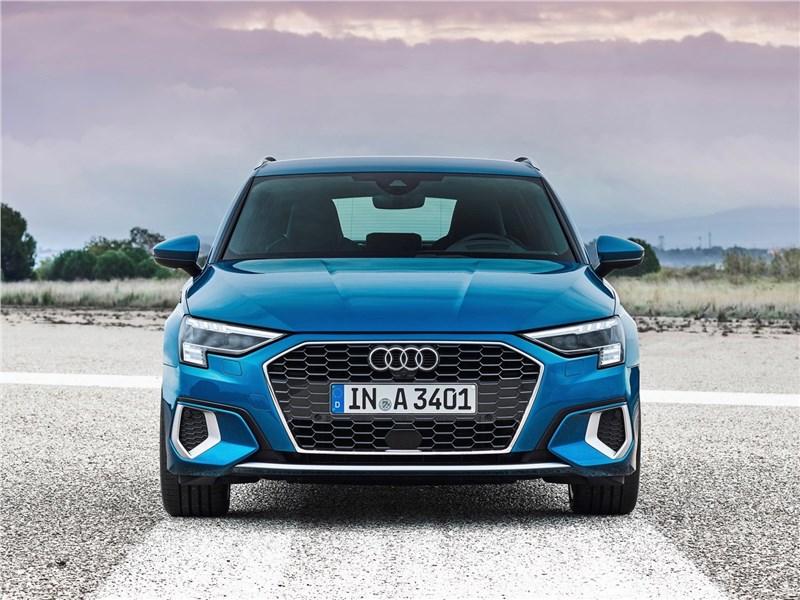 Audi A3 Sportback 2021 Ингольштадтский авангард