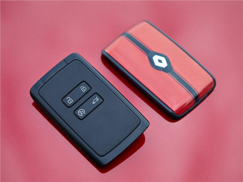 Renault Arkana 2020 ключ