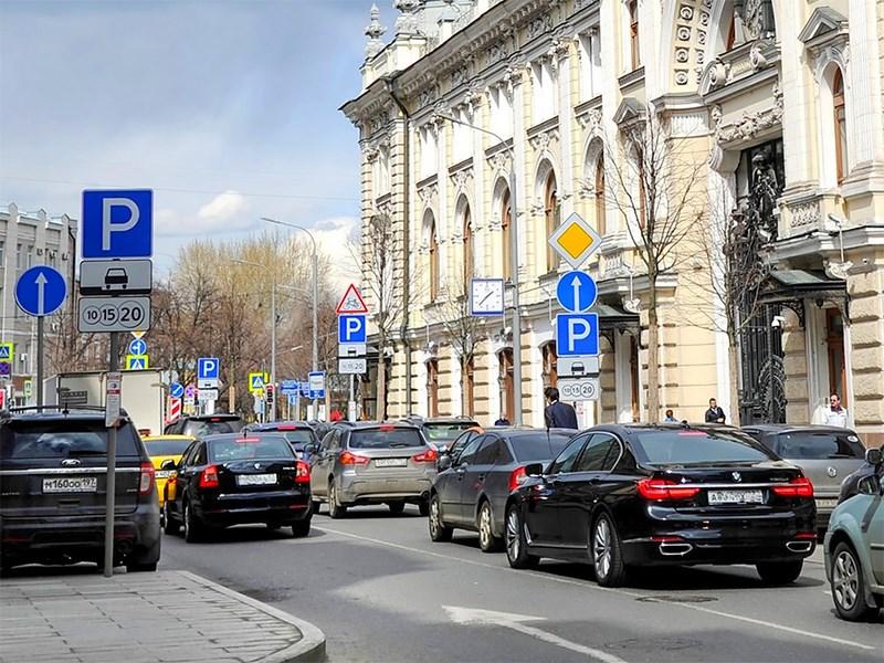 Парковку в Москве на майские праздники сделают бесплатной